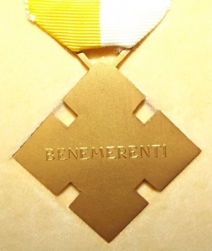 catholic-benemerenti-medal-issued-by-the-pope-2.jpg